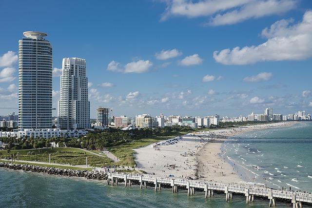 Aurinkoinen päivä Miami Beachilla